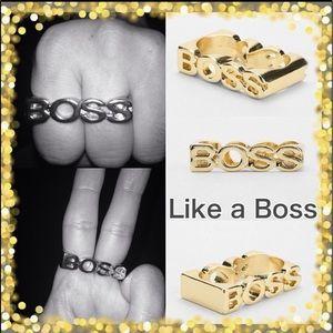 """Chunky double-finger ring """"BOSS"""" nameplate"""